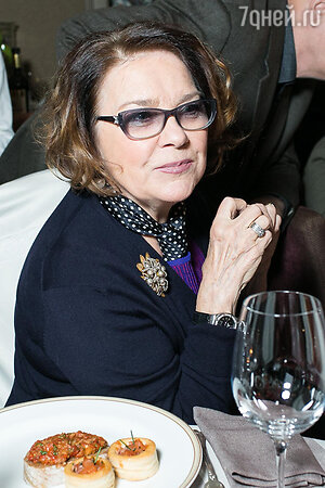 Лариса Голубкина на юбилее благотворительного фонда «Артист»