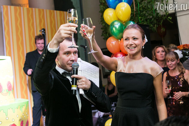 Евгений Миронов и Мария Миронова на юбилее благотворительного фонда «Артист»