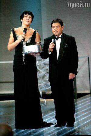 Съемки с бывшей супругой Лолитой Милявской в телепрограмме «Две звезды» стали причиной разрыва Александра Цекало и Яны Самойловой