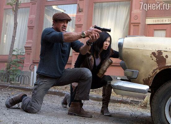Кадр из фильма «Неудержимые 2»