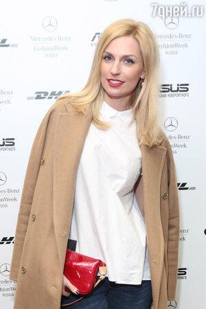 Александра Савельева на показе в рамках Mercedes-Benz Fashion Week