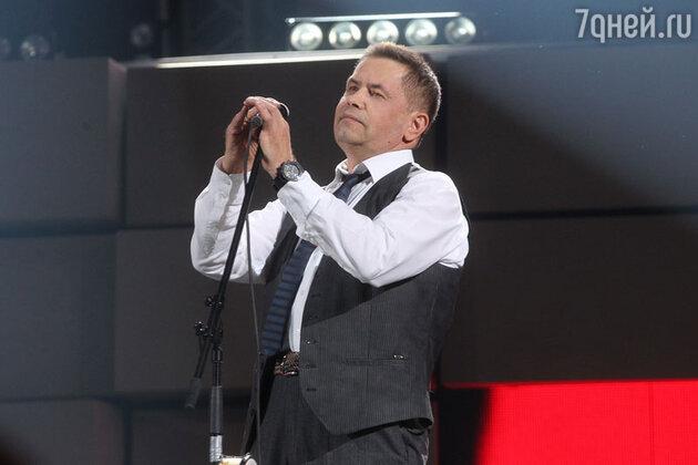 Николай Расторгуев на юбилейном концерте группы «Любэ»