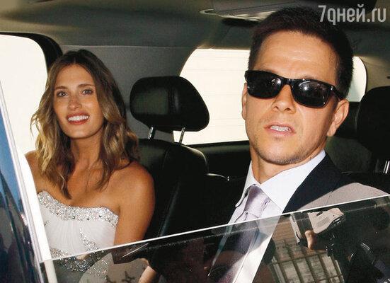 Марк Уолберг с женой Реей