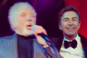 Валерий Сюткин выступил вместе с Томом Джонсом