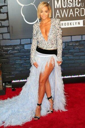 Рита Ора в платье от Alexandre Vauthier на церемонии MTV Video Music Awards
