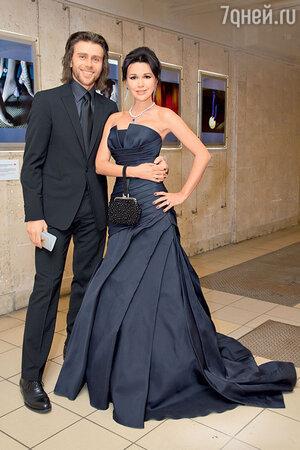 Анастасия Заворотнюк с мужем Петром Чернышевым на вручении премии «Золотой орел»