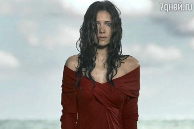 Екатерина Климова в новом клипе группы «Токио» на песню «Сломанные цветы»