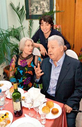 Супруги со старшей дочерью Ингой. 2003 г.