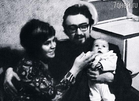 Я родился в счастливой семье: папа по образованию скрипач, мама — педагог