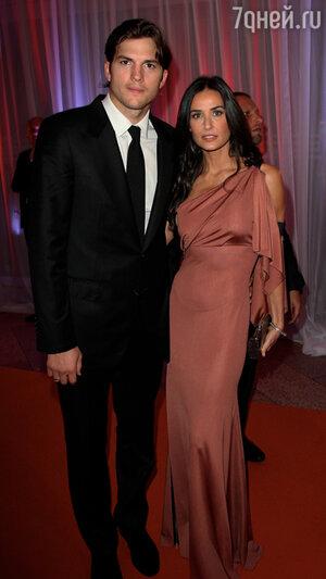 Эштон Катчер (Ashton Kutcher) и Деми Мур (Demi Moore). 2010 год