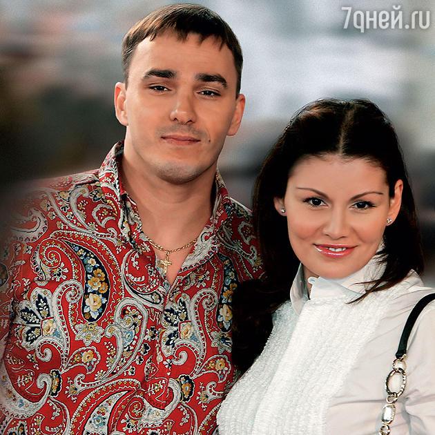 Кирилл Андреев с женой Лолой