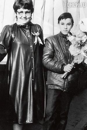 Кирилл Андреев с мамой Ниной Михайловной