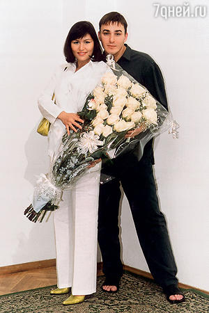 Кирилл Андреев с женой Лолой.