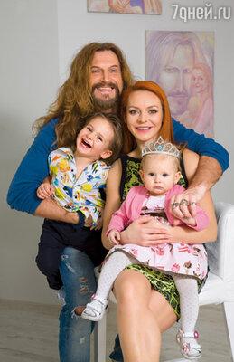 Мы и наши дети Мик-Анжель Крист и Эва-Влада