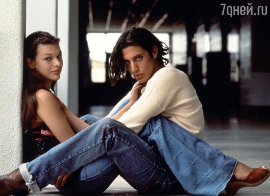 Милла Йовович вышла замуж заШона Эндрюса, чтобы доказать, что она уже взрослая. Кадр из фильма «Под кайфом и в смятении», 1993 г.