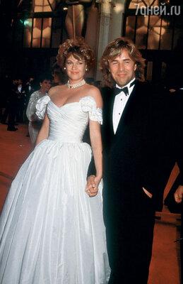 ...13 лет спустя Мелани Гриффитс  вышла замуж за Дона Джонсона  во второй раз, носнова развелась