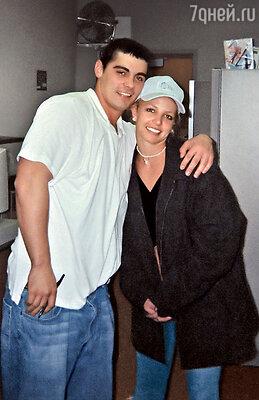 Бритни Спирс сама сделала предложение своему первому мужу Джейсону Александеру