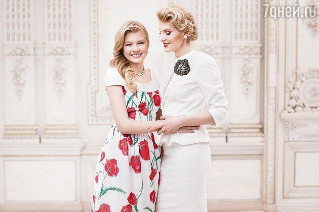 Рената Литвинова с дочкой в рекламной кампании Zarina