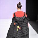 Пальто-рюкзак