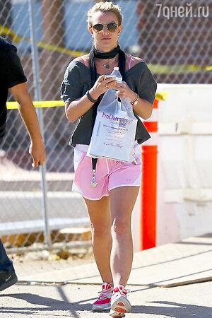 Бритни Спирс со средствами для омолаживания кожи