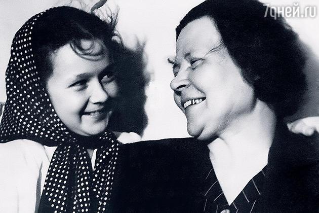 Наталия Защипина и ее бабушка Александра Селиверстовна