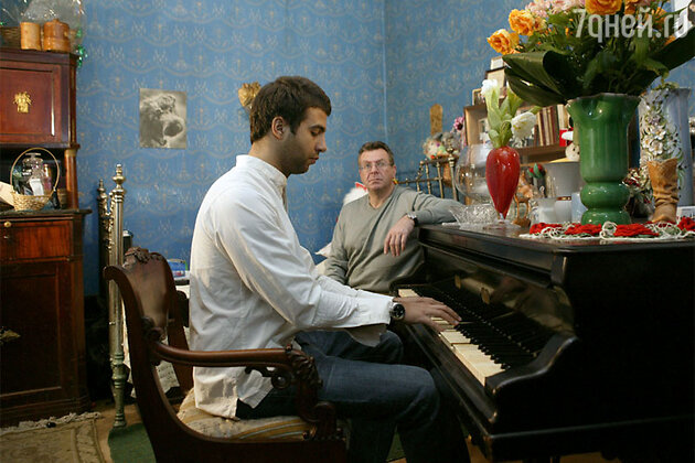 Иван Урагнт с отцом Андреем Ургантом