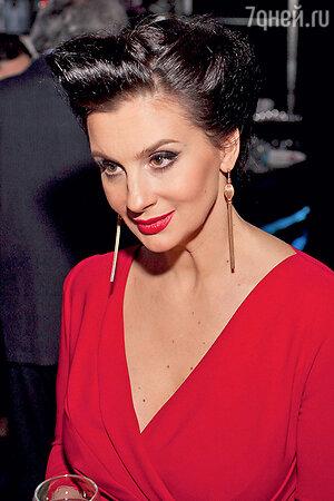 Екатерина Стриженова на церемонии вручения премии Ассоциации продюсеров кино и телевидения. 2013 г.