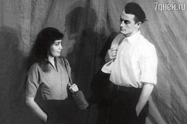 Кюнна Игнатова  с однокурсником Василием Лановым
