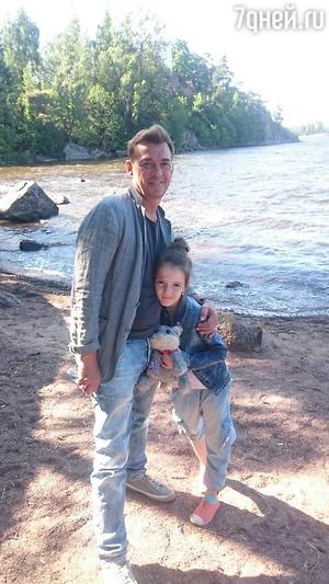 Николай Добрынин с дочкой Ниной