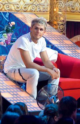 Влад Соколовский оказался в центре конфликта из-за маникюрных ножниц