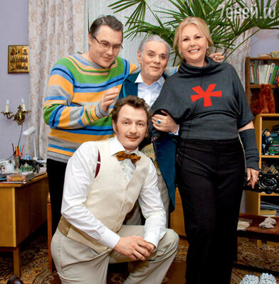Марат Башаров, режиссер спектакля Алексей Кирющенко, Владимир Андреев и его жена Наталья Селезнева