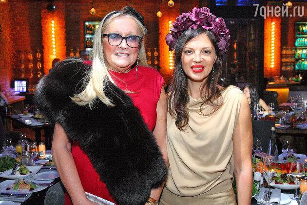 Татьяна Михалкова и Алиса Толкачева на презентации ежегодного календаря фонда «Русский Силуэт»