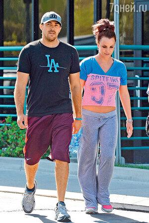 Бритни Спирс с женихом Дэвидом Лукадо