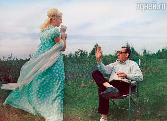 Валентина Титова на съемках летних сцен фильма «Метель», 1964 год
