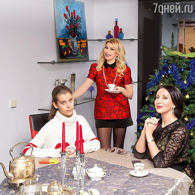 Алика Смехова и Лада Дэнс с дочерью