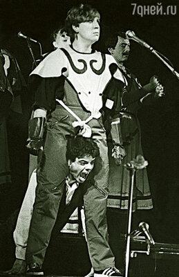 Артистку Театра миниатюр по фамилии Голуб я отметил в спектакле «Лица». (Марина и Константин Райкин)
