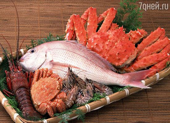 Людям после 50-ти лет диетологи рекомендуют заменить красное мясо на морепродукты