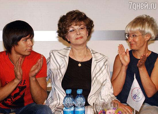 Стас Пьеха с бабушкой Эдитой Пьехой и мамой Илоной Броневицкой