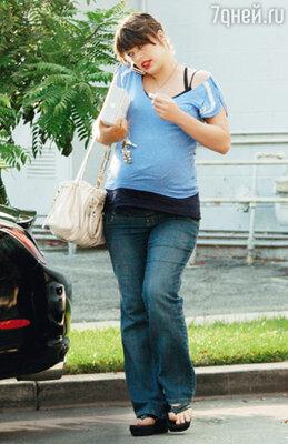 Во время беременности Милла поправилась на... 30 килограммов. После родов дочки Эвер актриса сбрасывала вес ровно столько же, сколько его набирала — девять месяцев. Беверли-Хиллз, декабрь 2007 г.