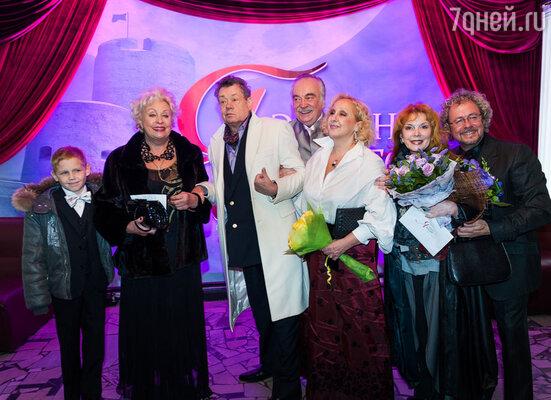 Николай Караченцев с женой Людмилой Поргиной,  Клара Новикова, Лора Квинт
