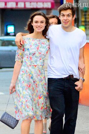 Кира Найтли (Keira Knightley) и Джеймс Райтон (James Righton) в Лондоне. 2013 год