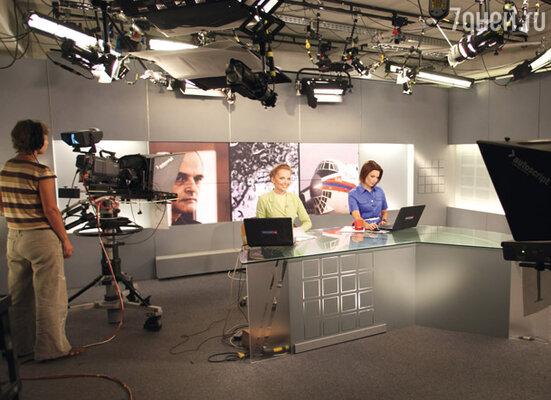 В эфире Ксения Демидова и Анна Шнайдер