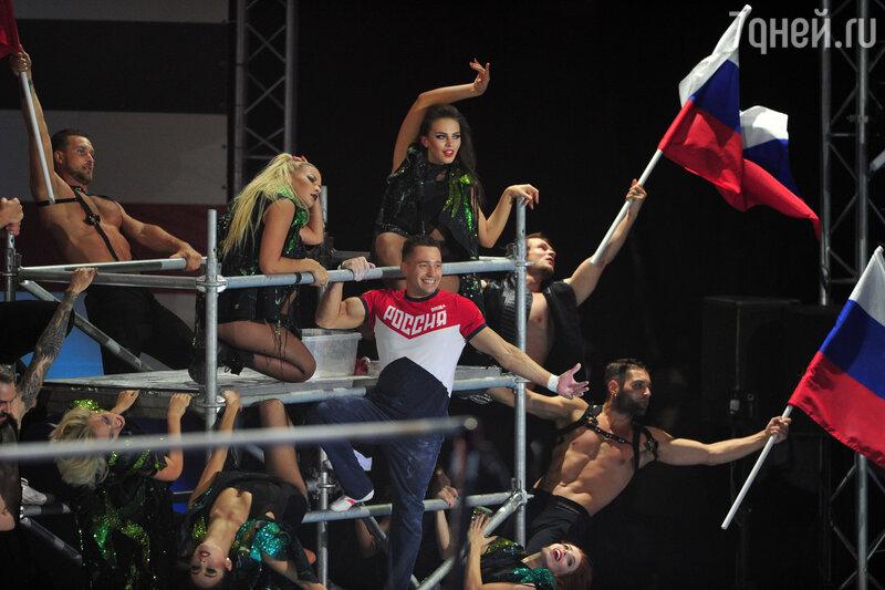 Алина Кабаева пришла сдетьми нагала-концерт «Легенды спорта»