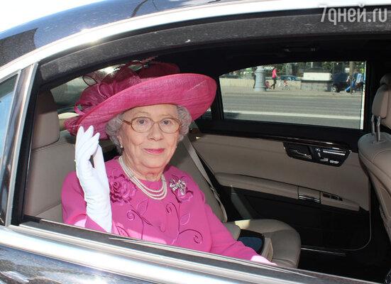 Официальный двойник королевы Елизаветы II