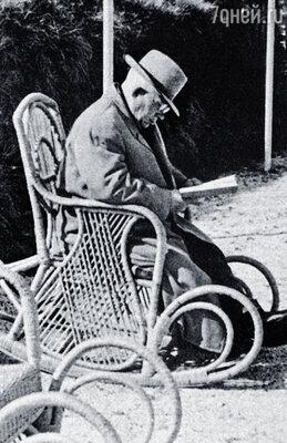 Авторитет автора был подорван, как и его здоровье. Хрущев каялся, очень переживал и умер через девять месяцев после выхода мемуаров