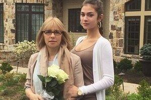 Вера Глаголева рассказала, что думает о грядущей свадьбе дочери