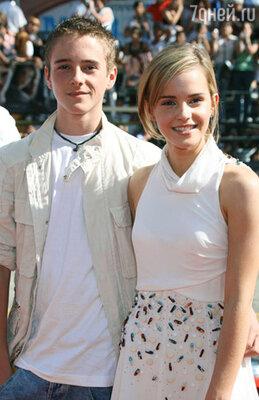 С братом Алексом  на премьере очередного фильма о Гарри Поттере. 2007 г.