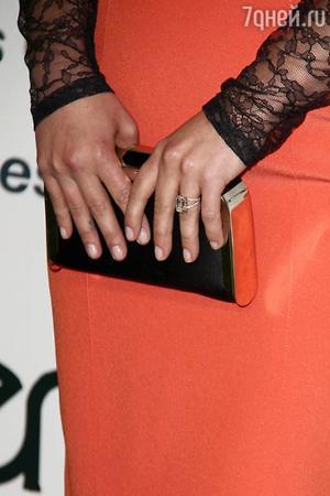 Владимир Кличко подарил Хайден Панеттьери кольцо с бриллиантом в 6 карат за 500 тысяч долларов