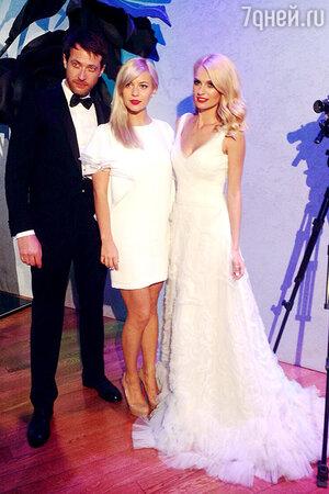 Лина Дембикова на свадьбе Саши Савельевой и Кирилла Сафонова этим летом