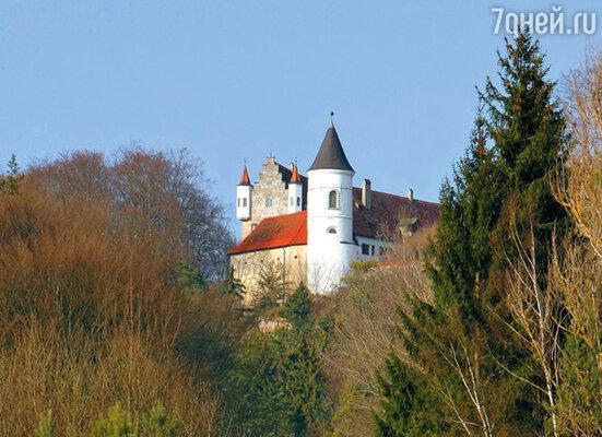 Этот баварский замок Николасу пришлось продать, чтобы сохранить другой, в Англии